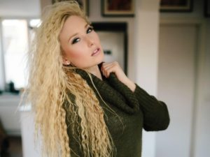 Blondy93 live bei VisitX